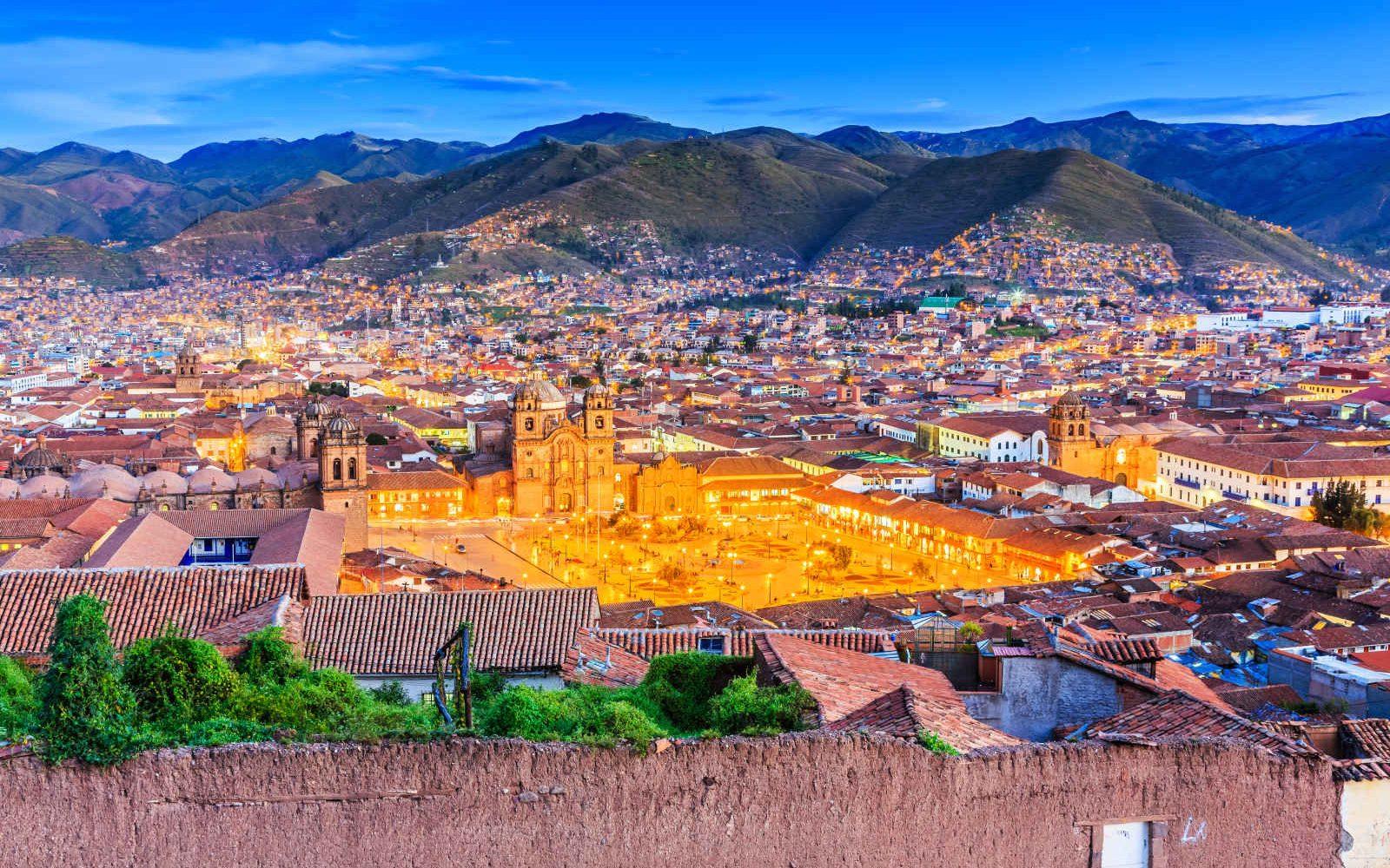 Centre-ville éclairé de Cuzco, Pérou