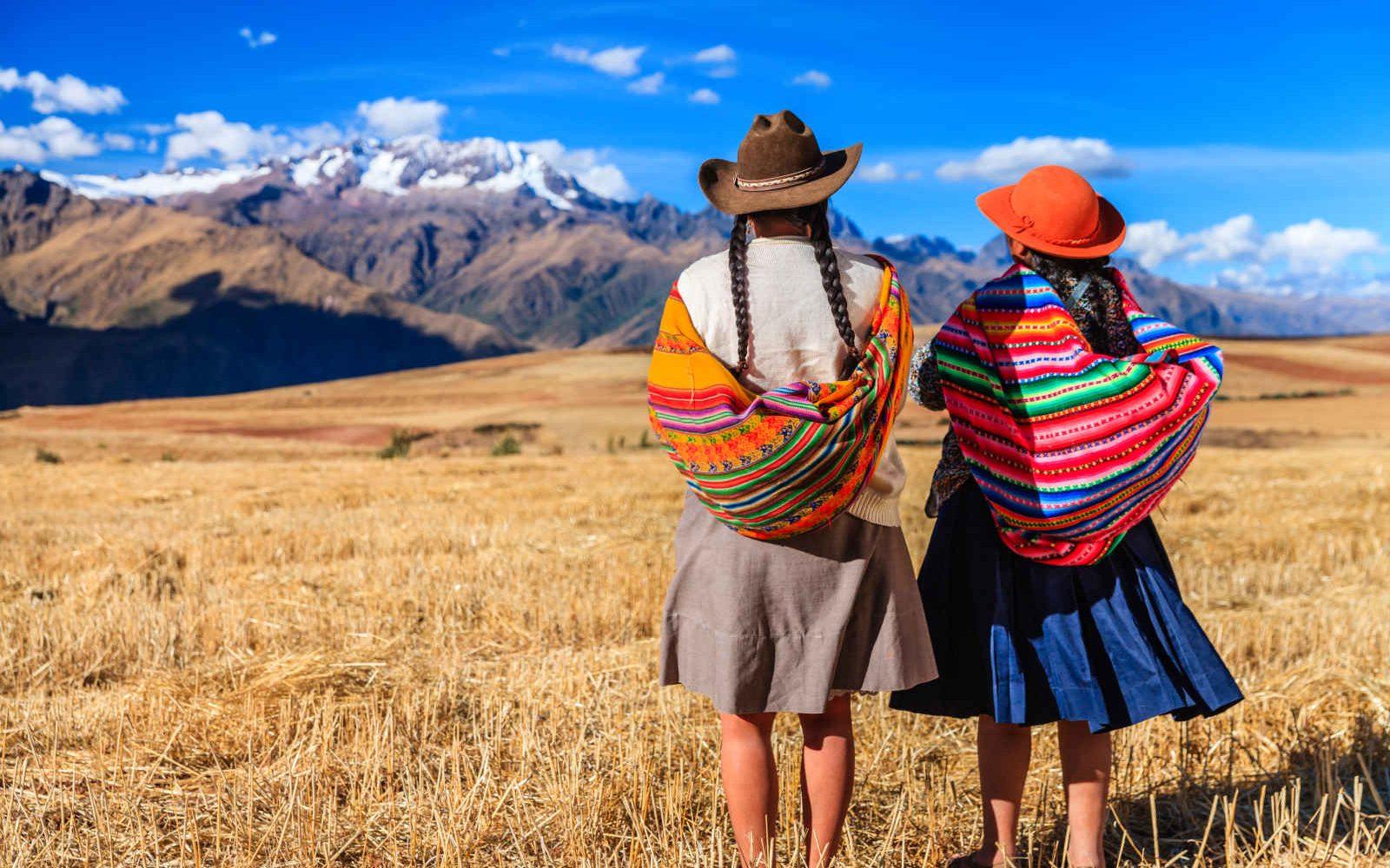 Femmes de dos, Vallée Sacrée, Pérou