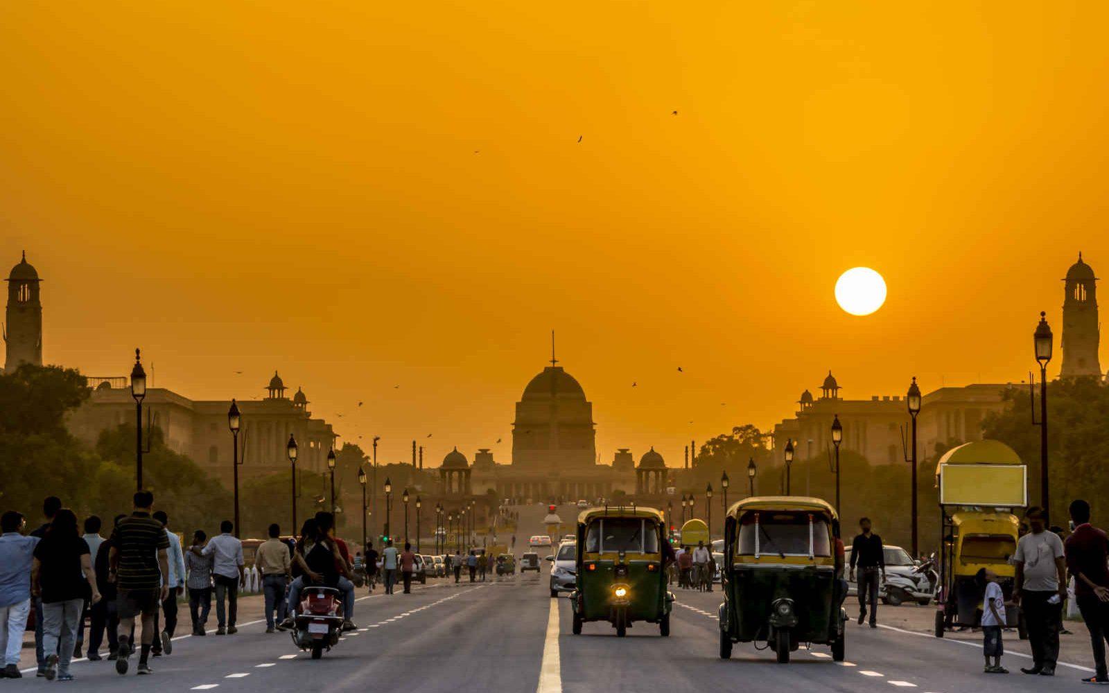 Coucher de soleil derrière la résidence du président, Rashtrapati Bhavan, New Delhi, Inde