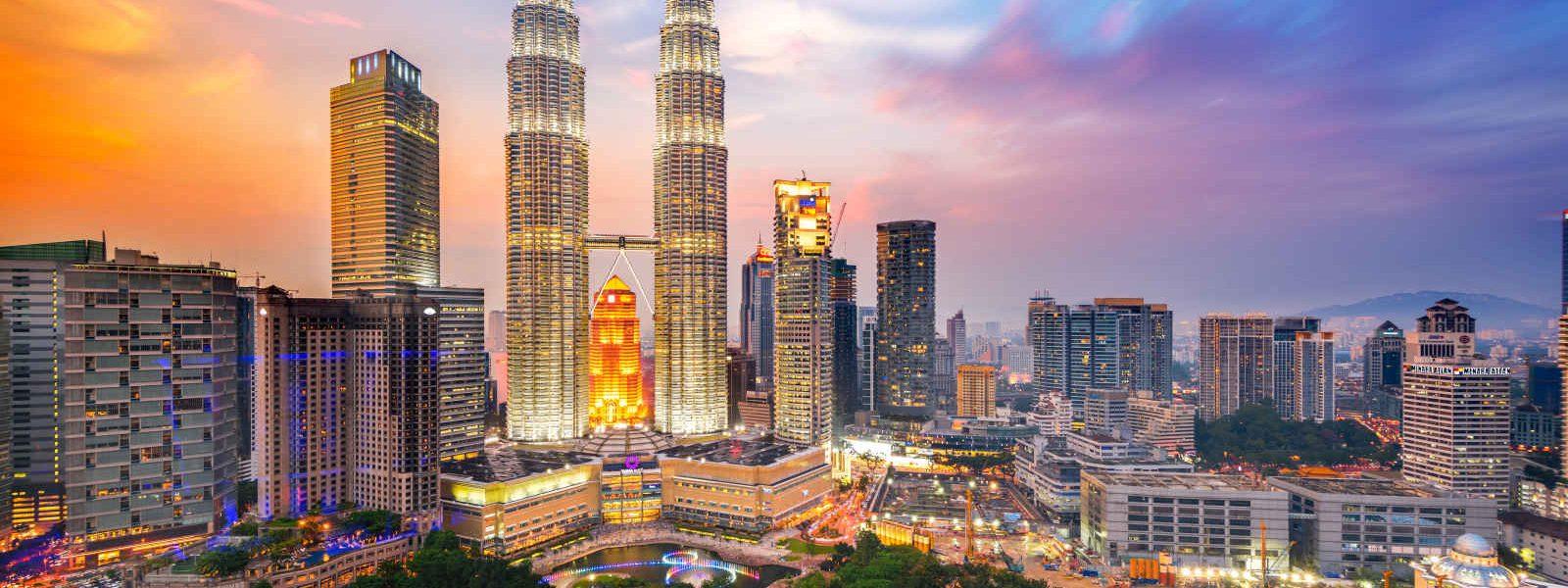 Vue sur la ville et les tours jumelle (Petronas twin towers), Kuala Lumpur, Malaisie