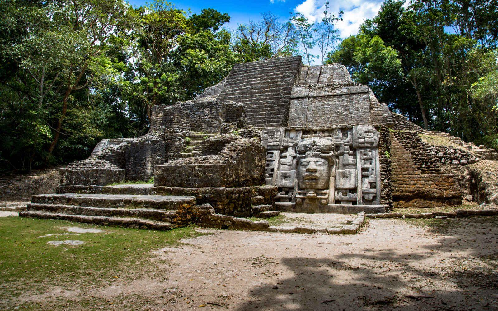 Temple Lamanai, Belize