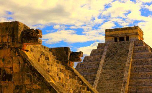 Pyramide maya Chichen Itza, Mexique