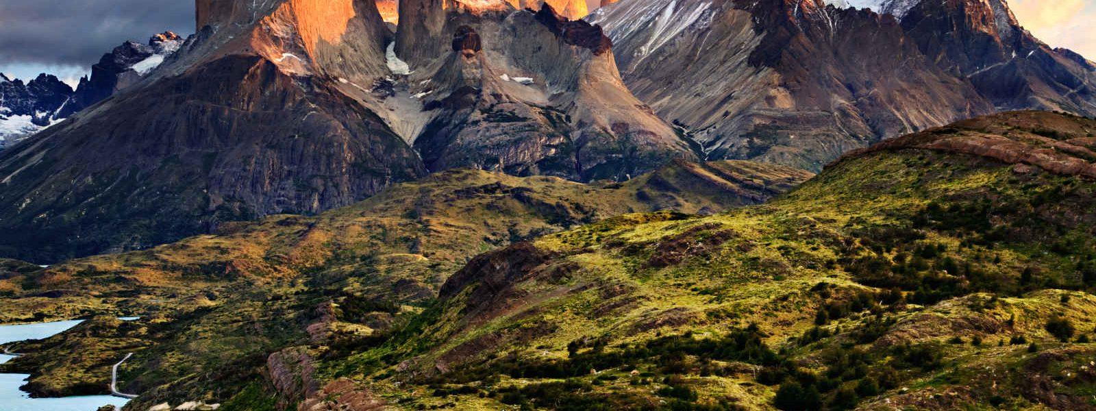Lever de soleil dans les montagne, Torres Del Paine, Chili